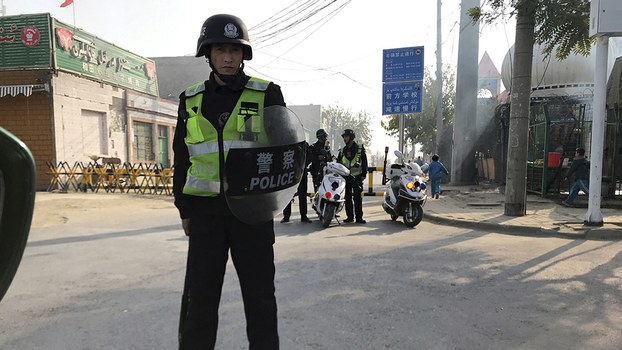 RFA:Overcrowded Political Re-Education Camps in Hotan Relocate Hundreds of Uyghur Detainees